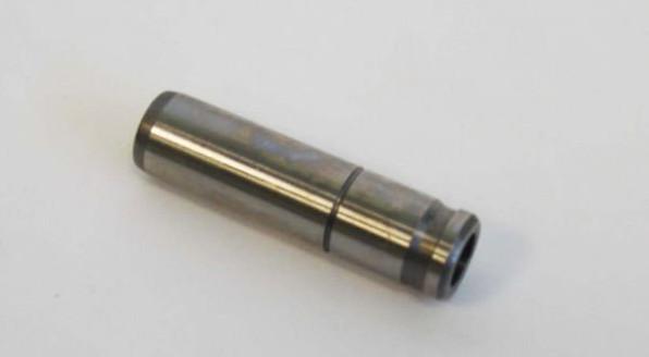 Втулка направляющая клапана двигателя TOYOTA 5K № 111227600971