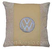 Автомобильная сувенирная подушка  с логотипом WV