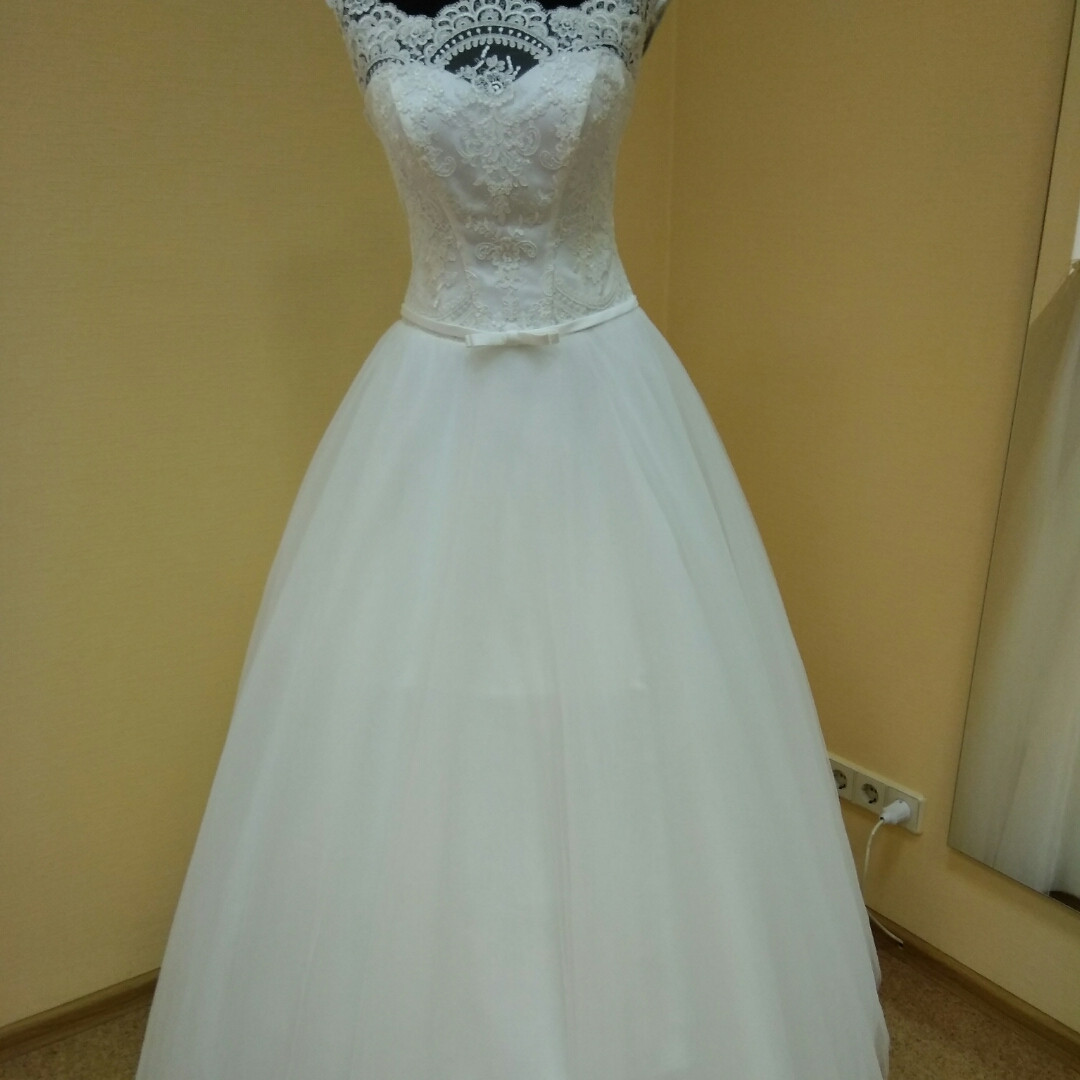 Свадебное платье айвори цвета
