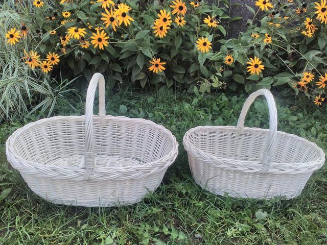 Плетеные корзины белого цвета