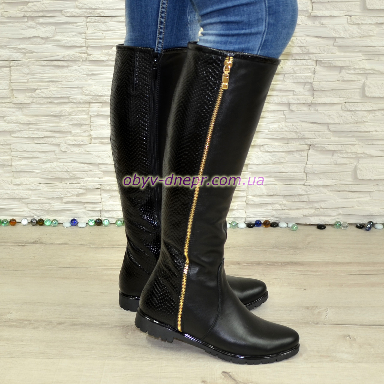 Сапоги кожаные женские демисезонные черного цвета