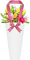 Бумажная сумка для букетов и горшечных цветов белая с розовым