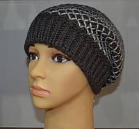 Стильная вязаная шапка чулок серого цвета