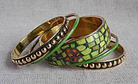 Комплект индийских светло-зелёных браслетов из кости. Набор браслетов