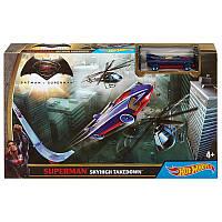 Хот Вилс игровой набор с машинкой Супермена  Hot Wheels Superman