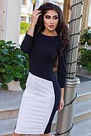 Женское черное платье с контрастной вставкой