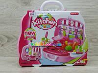Детская кухня-чемодан, продукты, печка
