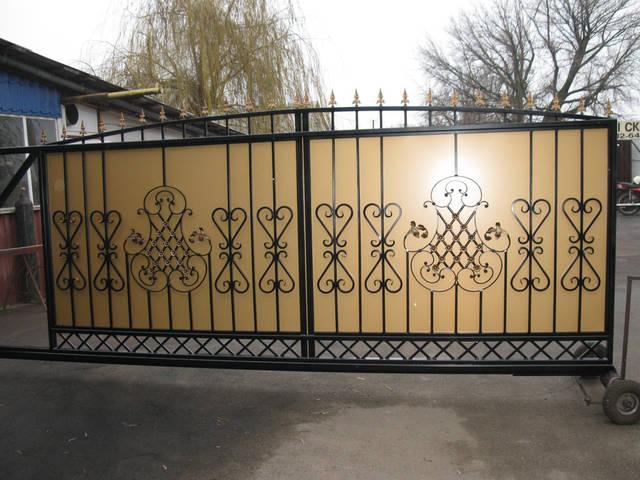 Запущено собственное производство металлоконструкций для дома и сада из кованных элементов 8