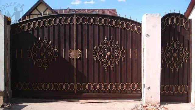 Запущено собственное производство металлоконструкций для дома и сада из кованных элементов 12