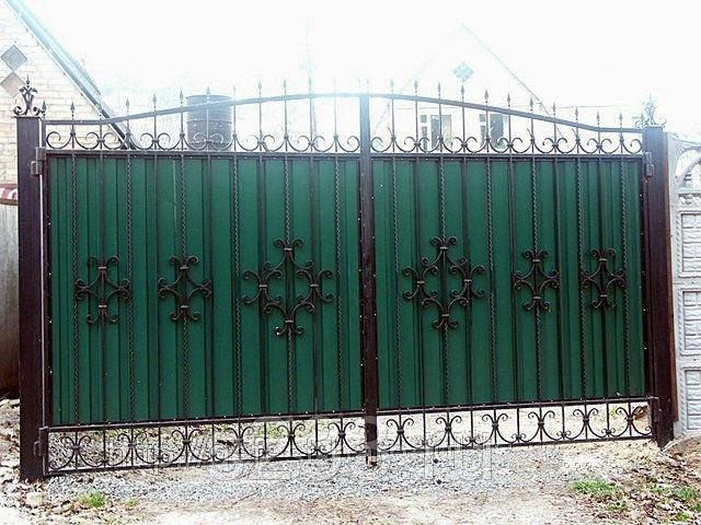 Запущено собственное производство металлоконструкций для дома и сада из кованных элементов 13