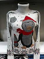 Теплый зимний свитер под горло с пингвином
