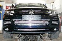 Декоративно-защитная сетка радиатора Volkswagen Touareg фальшрадиаторная решетка, бампер, фото 1