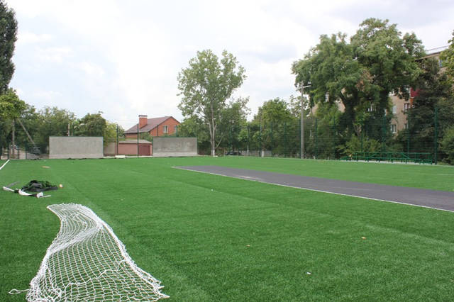 Строительство спорт площадки 23