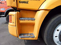 Подножка цельная на КамАЗ 65115, стекловолокно
