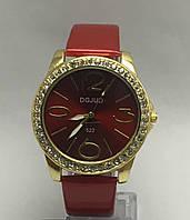 Изысканные женские часы с лакированным ремешком (Красные)