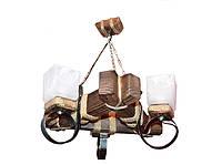 Люстра из дерева подвесная на цепях  с тремя стеклянными матовыми плафонами