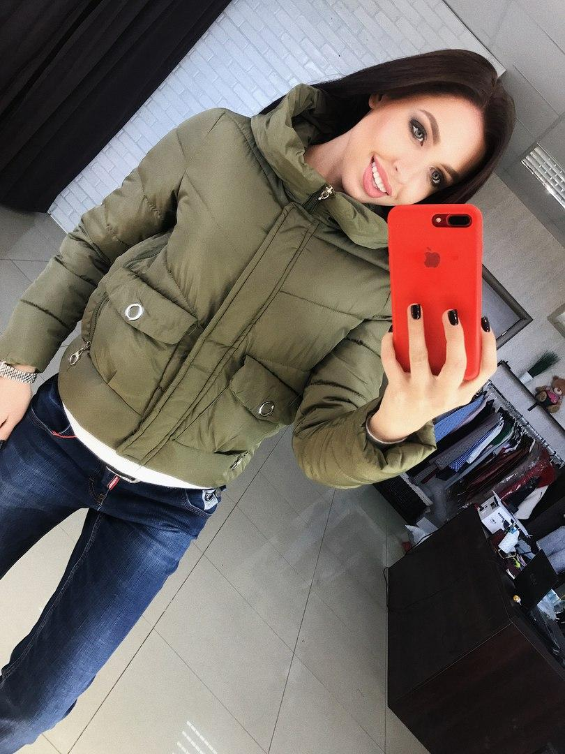 Молодежная куртка модный цвет хаки
