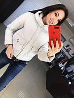 Осенняя женская куртка светлого цвета, фото 1