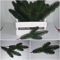 Зеленая веточка ели на 3 ветки, пластик, 27 см., 12/8 (цена за 1 шт. + 4 гр.)
