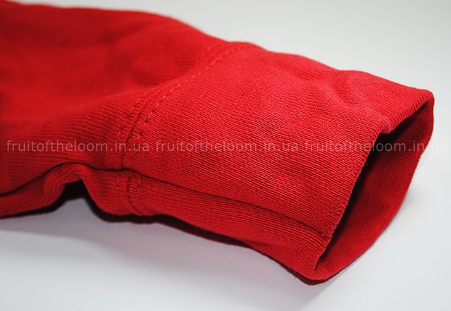 Красная женская лёгкая толстовка на замке с капюшоном