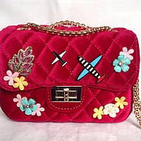 Красная бархатная сумка, крос боди, фуксия с нашивками в стиле классик