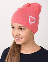 Модная детская шапка на девочку зимняя.
