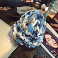 Женская шапка из крупной вязки Радуга голубая