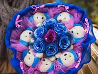 Яркий и незабываемый букет из собачек и роз «Блюз»