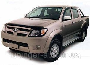 Мухобойка,дефлектор капота Toyota Fortuner 2005- (SIM)