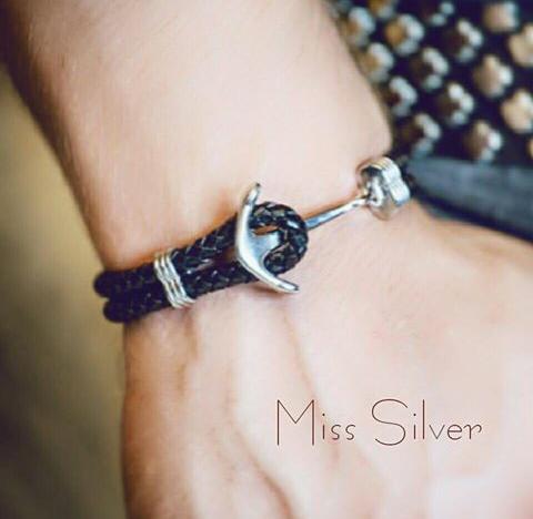 Кожаный браслет с якорем