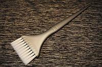 Кисть для окрашивания волос широкая серая c белой щетиной