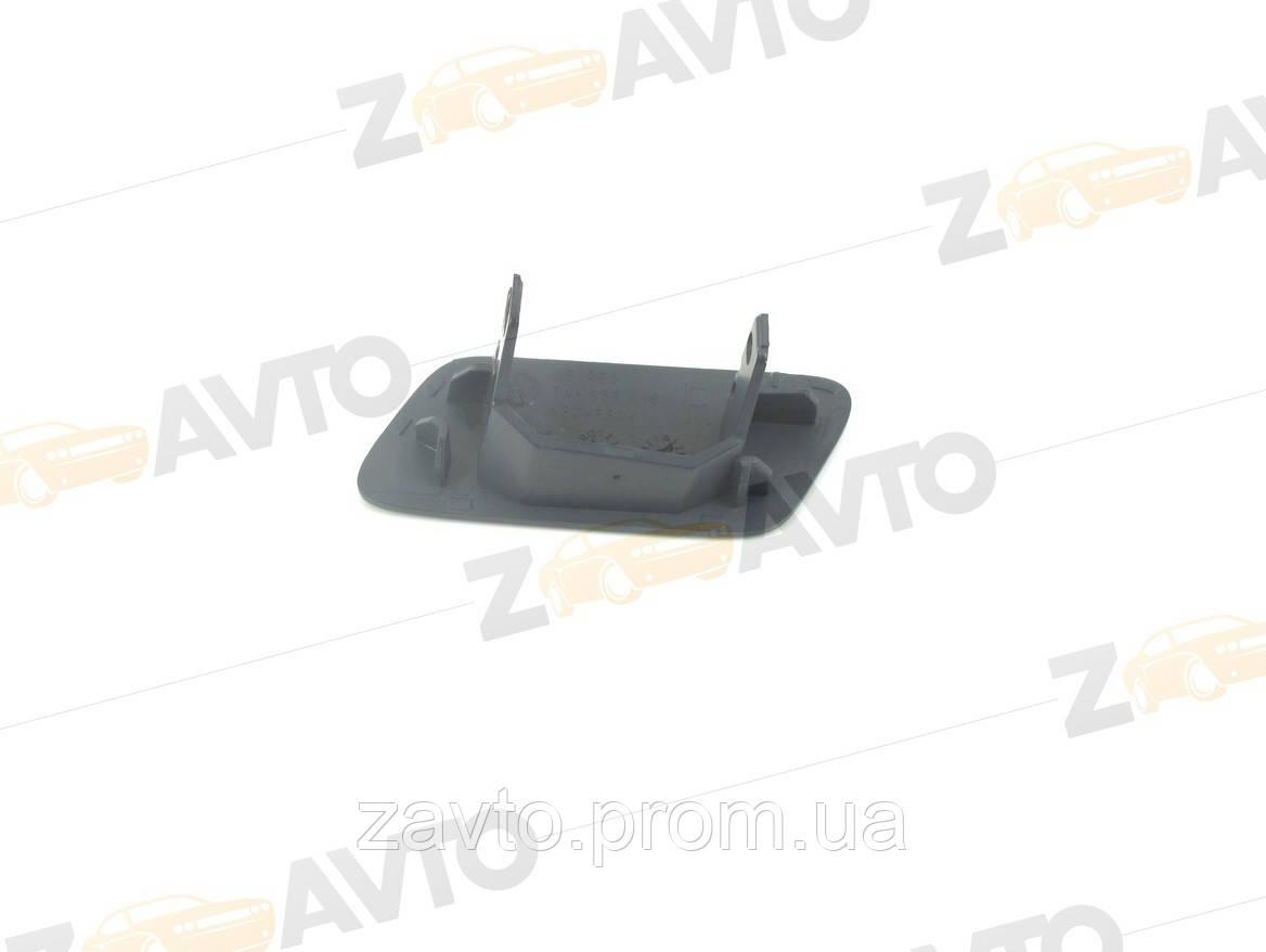Крышка форсунки омывателя фары правая VW PASSAT B7 Фольксваген Пассат