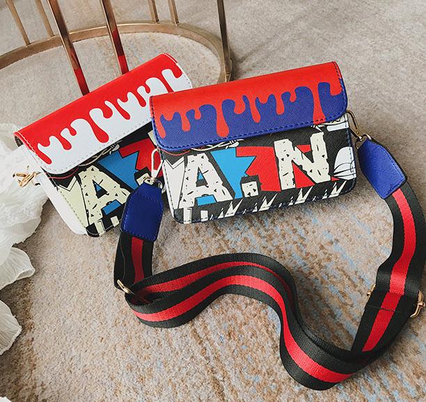 Модная сумка клатчс красочным дизайном и поясом Art