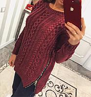 Стильный свитер женский декорирован змейками