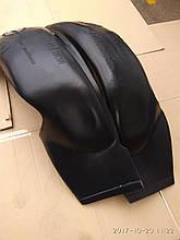 Подкрылки на Мерседес-123 (передние)