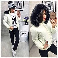 Тёплая осенне-зимняя женская куртка Memory со съёмным капюшоном на меху молочного цвета
