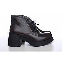 Коричневые ботинки женские на большом каблуке 5244