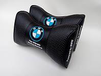 Подушка на подголовник  с логотипом автомобиля BMW черный цвет
