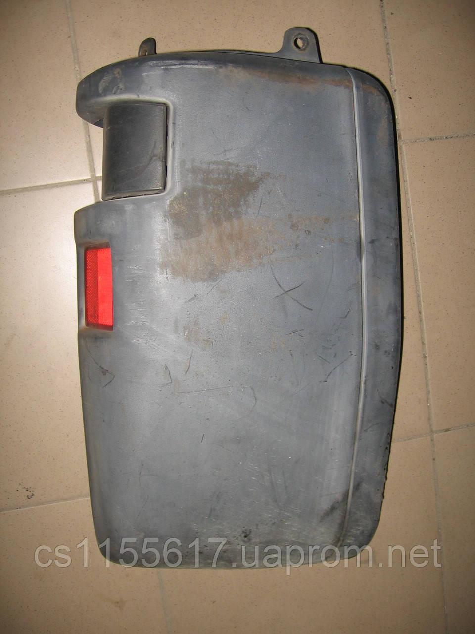 Правый клык заднего бампера 1300180070 б/у на Fiat Ducato, Peugeot Boxer, Citroen Jumper 1994-2002 год
