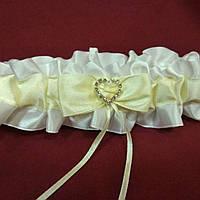 Свадебная подвязка для невесты с сердечком