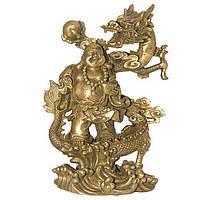 Статуэтка Хотей с драконом 25х17х10 см. желтая (339)