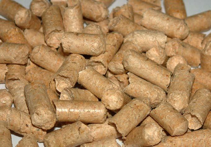 Древесные пеллеты из сосны  мешок 25 кг.