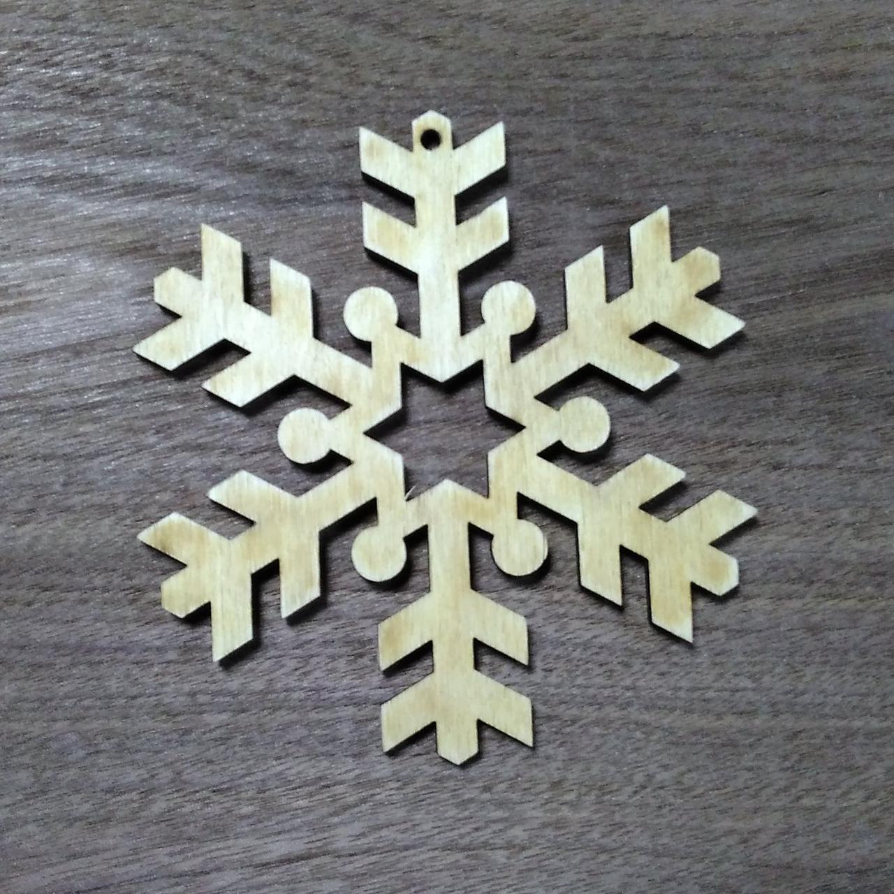 Снежинка деревянная резная игрушка