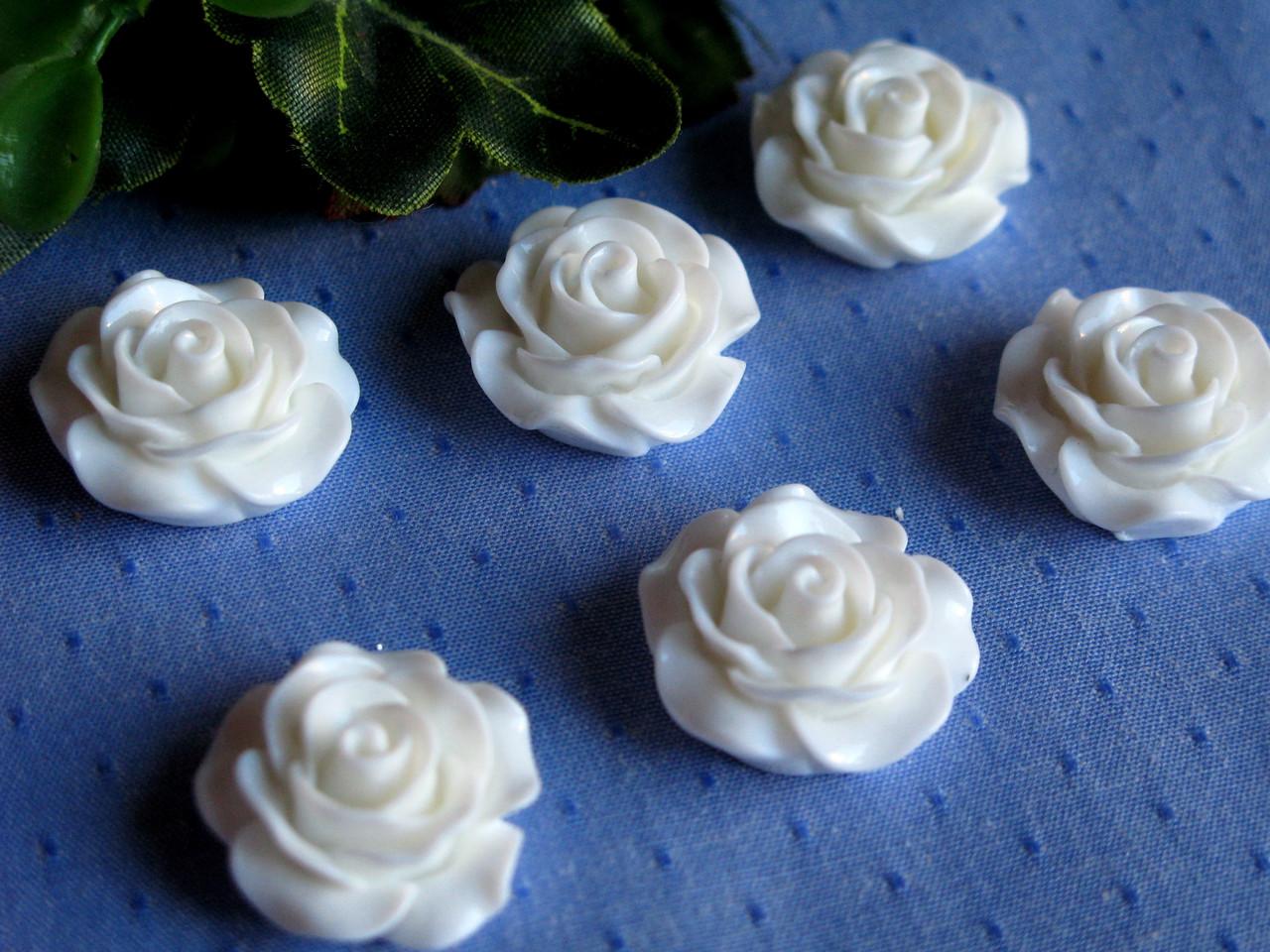 Серединка акриловая - Белая роза большая лаковая р-р - 2 см цена 20 грн - 10 шт