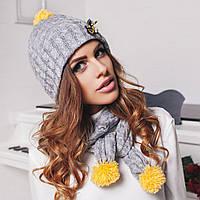 Комплект: утепленная шапка и шарф с декором - пчела