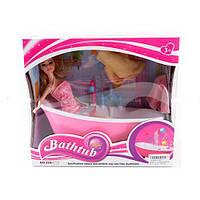 Кукла с аксессуарами в ванной