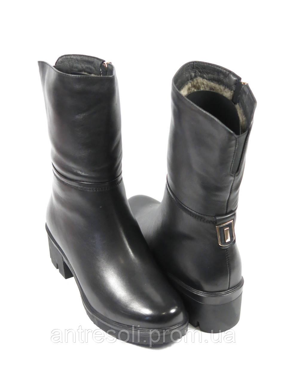 Женские зимние полусапожки на маленьком каблуке