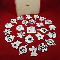 """Набір новорічних іграшок """"Різдвяний"""" 24 шт."""