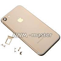 Задняя крышка Apple iPhone 7 золотой