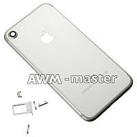Задняя крышка Apple iPhone 7 серебряная